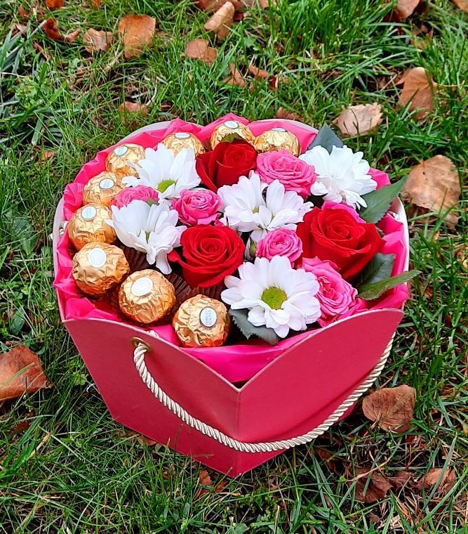 """Цветы в коробке """"Для моей милой"""""""